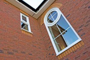 پنجره دوجداره هلالی