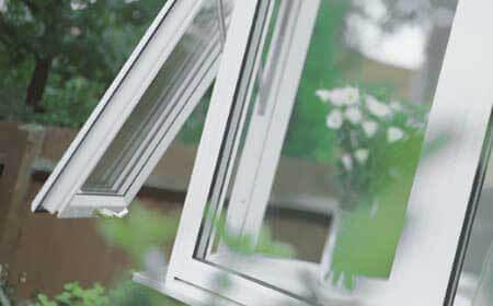 پنجره گلخانه