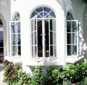 پنجره چندضلعی