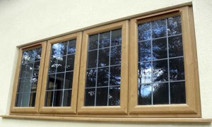 پنجره یو پی وی سی طرح چوب