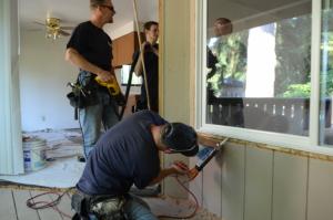 تعویض پنجره قدیمی بدون تخریب