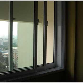 پنجره عایق دوجداره