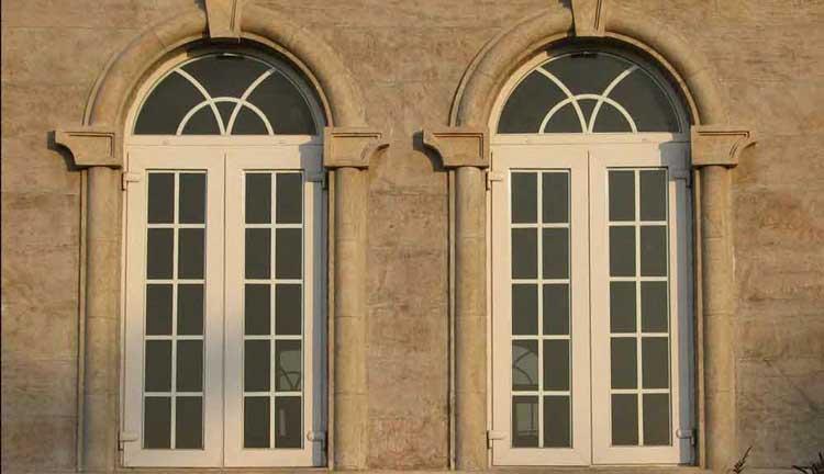 پنجره چند ضلعی