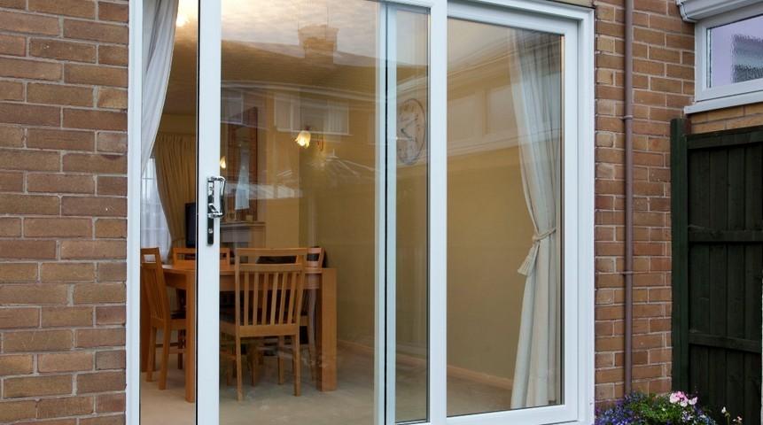 معایب پنجره یو پی وی سی کشویی